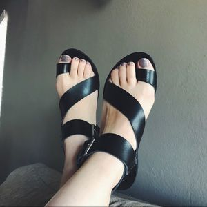 Black thick strappy sandals